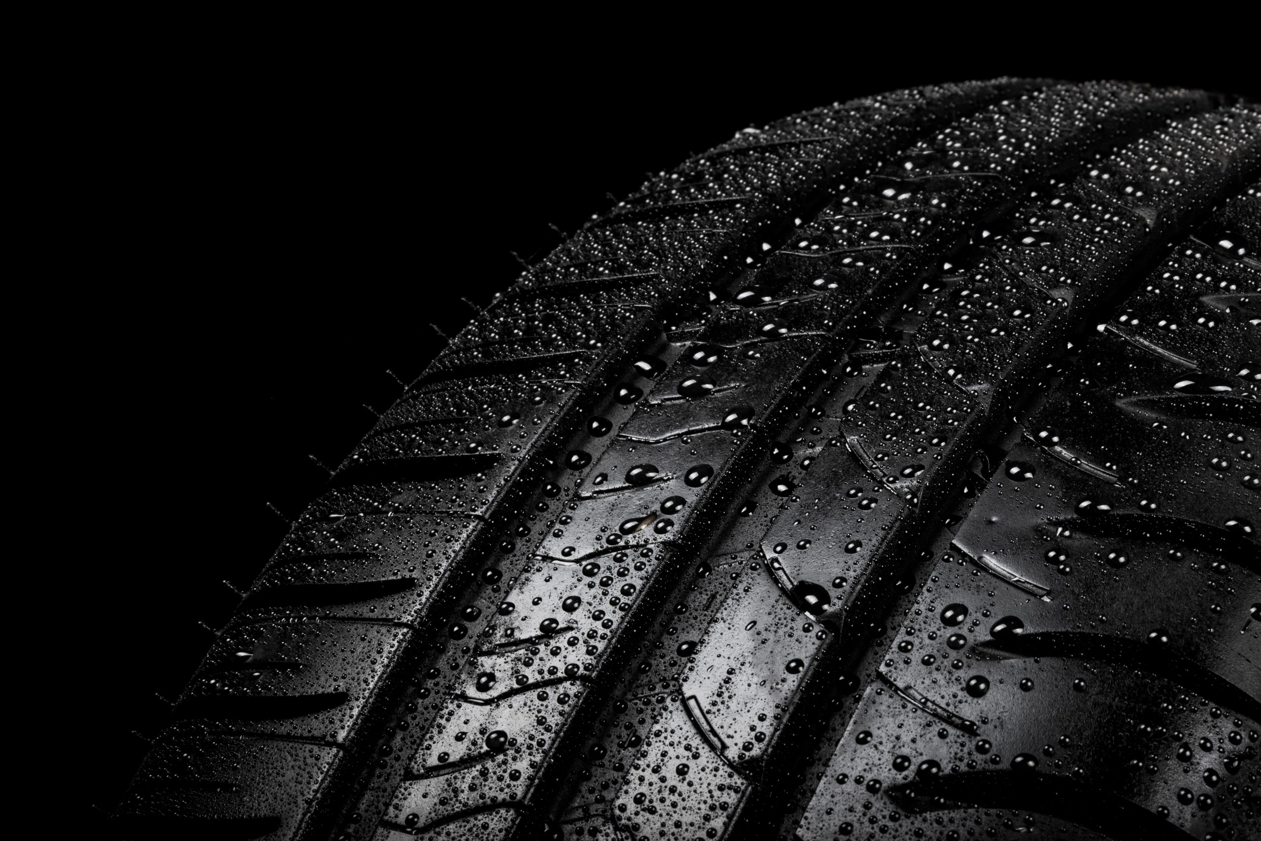 wet tire with threads